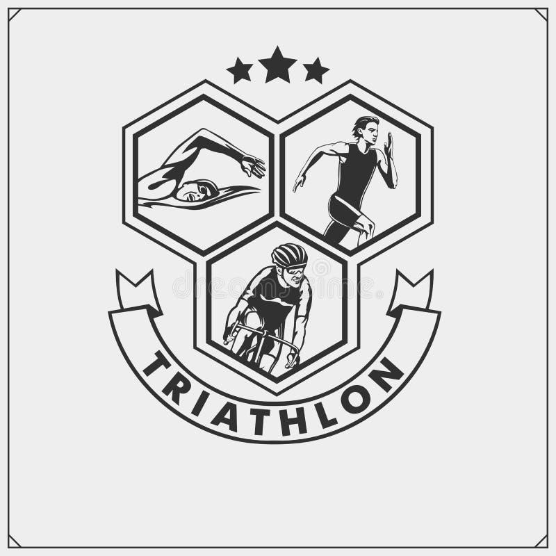 Sistema del emblema del triathlon El nadar, completando un ciclo y funcionamiento ilustración del vector
