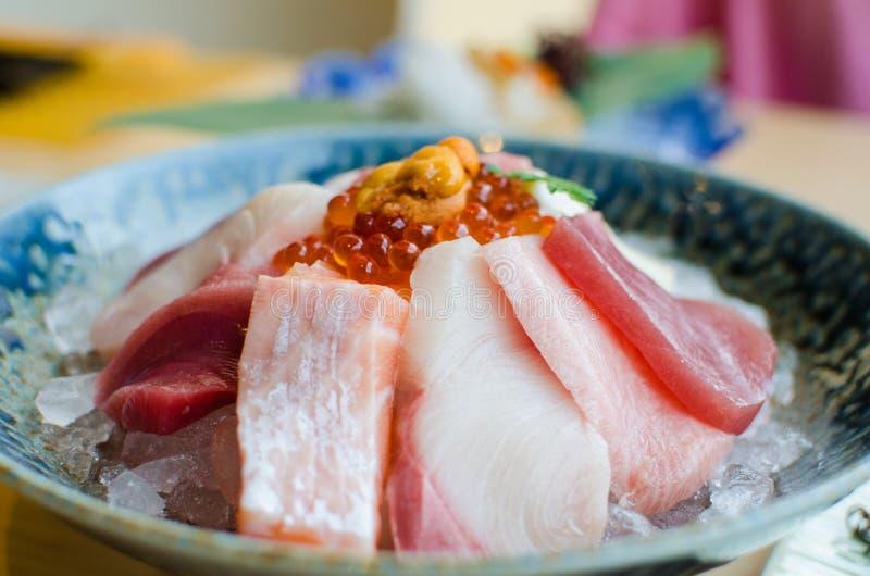 Sistema del Sashimi de pescados frescos y de mariscos fotografía de archivo