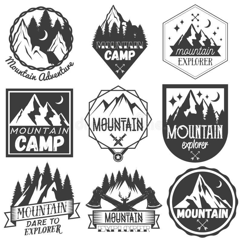 Sistema del vector de etiquetas del campo de la montaña en estilo del vintage libre illustration