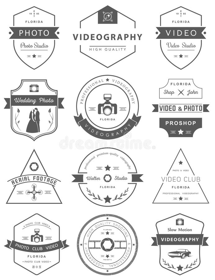 Sistema del vector de las insignias fotografía y videografía stock de ilustración