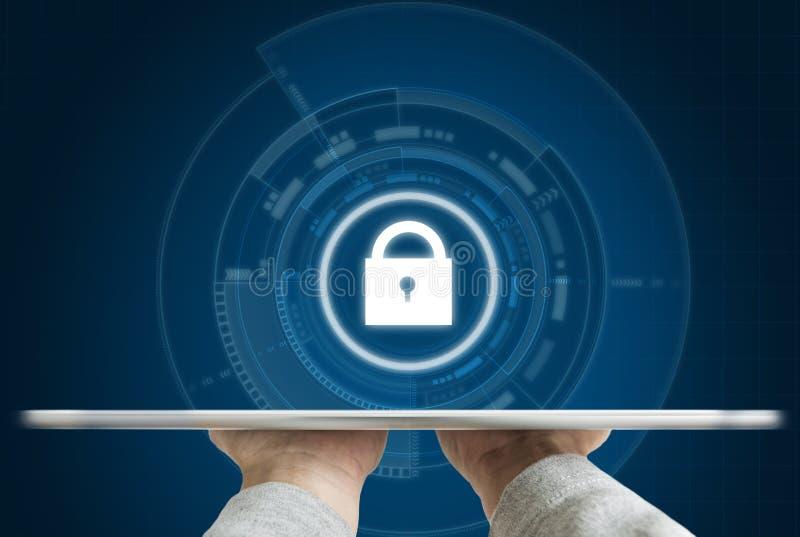 Sistema di sicurezza cyber di Internet Passi la tenuta dell'icona digitale della tecnologia della serratura di sicurezza e della  immagini stock libere da diritti