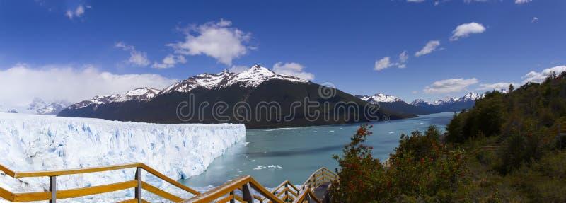 Sistema do balcão do lago Argentino e do Perito Moreno Glacier panorama fotos de stock royalty free