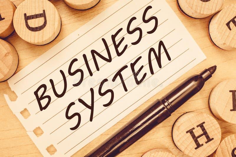 Sistema empresarial del texto de la escritura de la palabra Concepto del negocio para el método de A de analizar la información d imagen de archivo libre de regalías