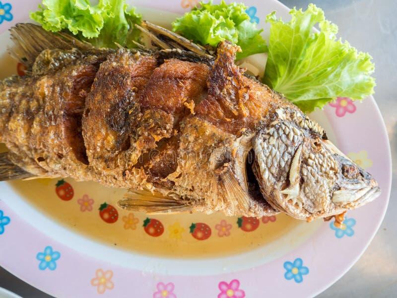 Sistema frito tailandés de los pescados fotografía de archivo