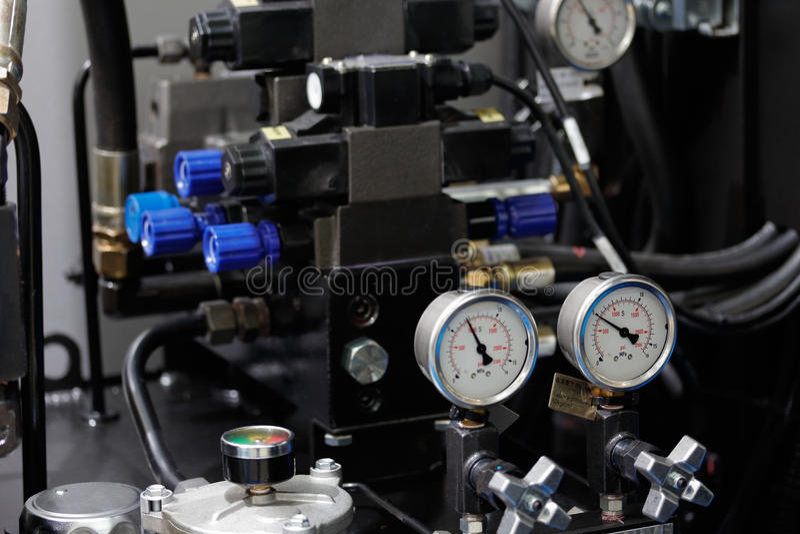 Sistema hydráulico de la máquina del CNC fotografía de archivo