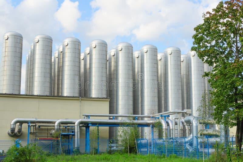 Sistema industrial do tratamento de esgotos para a purificação de água fotos de stock royalty free