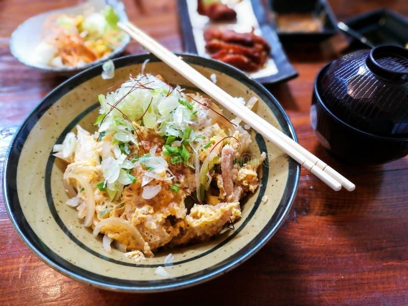 Sistema japonés de la comida de Katsudon imágenes de archivo libres de regalías