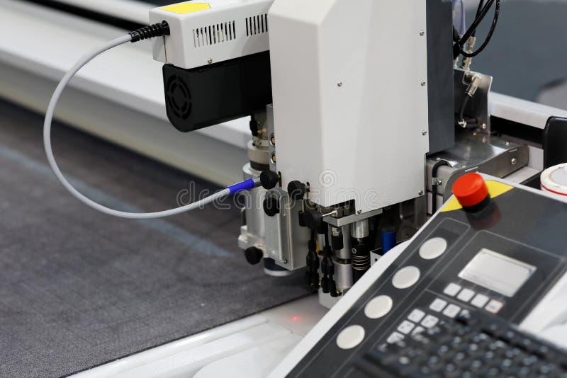 Sistema que corta digital industrial automatizado imágenes de archivo libres de regalías