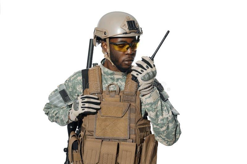 Sistema radio maschile americano per comunicazioni remote immagini stock libere da diritti