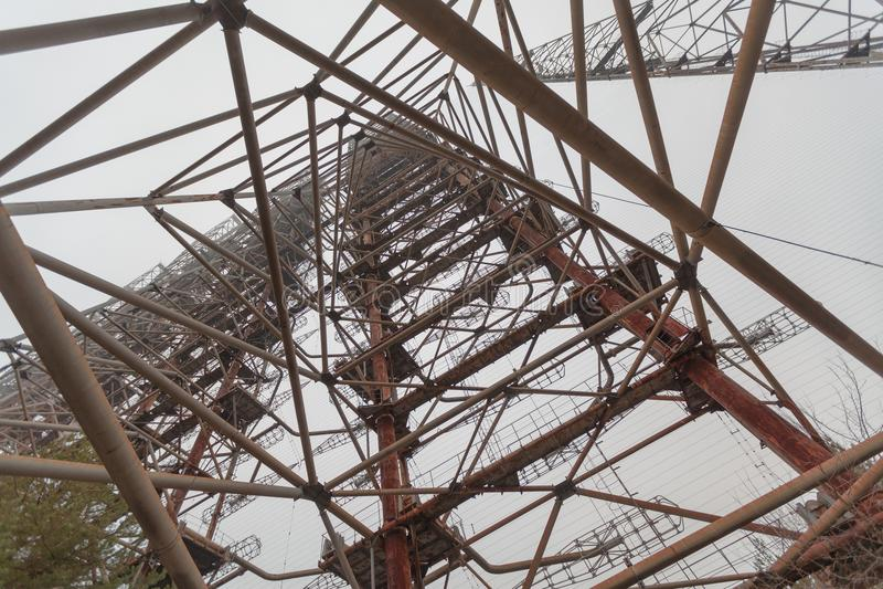 Sistema soviético Duga del radar cerca de la central nuclear de Chernóbil foto de archivo libre de regalías