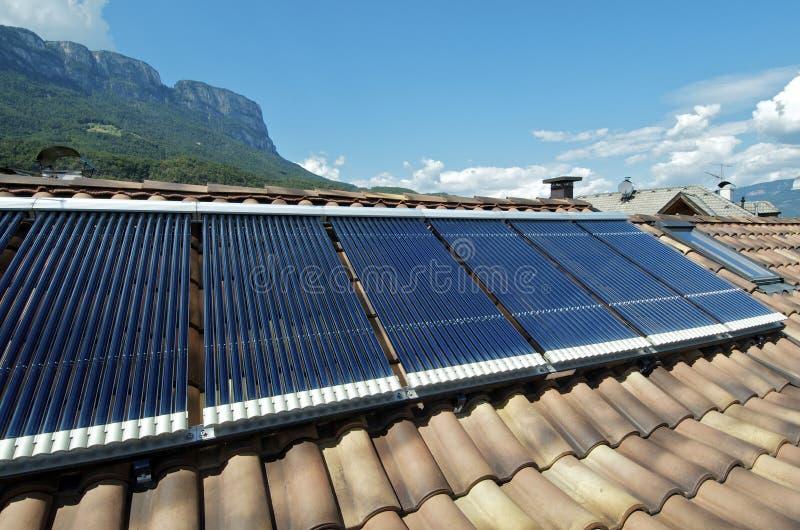 Sistema termal solar fotografía de archivo libre de regalías