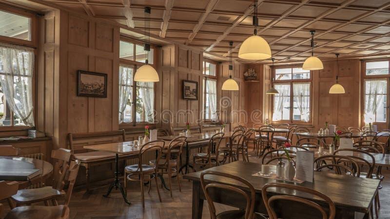 Sedie E Tavoli Di Un Caffe A Francoforte In Germania Fotografia Editoriale Immagine Di Nessuno Vuoto 181626552