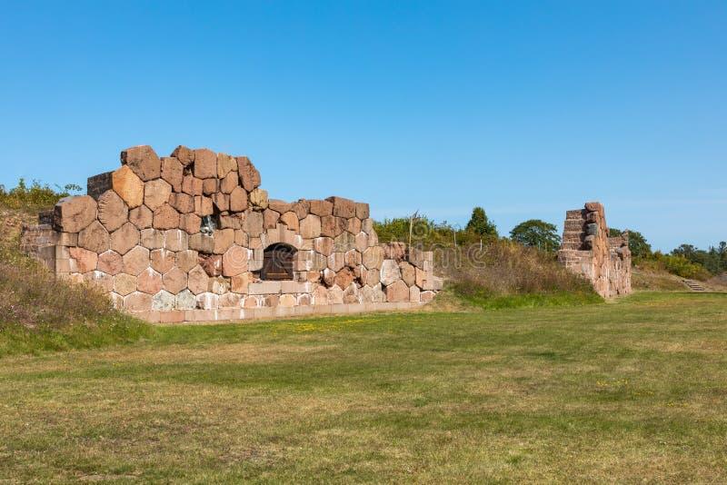Site enrichi historique de Bomarsund Ruines de forteresse H?ritage de guerre de la Finlande ?les d'Aland, Finlande l'europe images stock