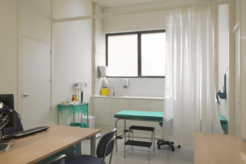 Sitio de consulta del médico de hospital Equipo de la atención sanitaria T médico foto de archivo libre de regalías