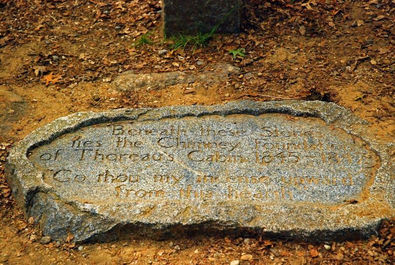 Sitio de la cabina de Henry David Thoreau en Walden Pond, donde él escribió su libro famoso Walden fotos de archivo libres de regalías