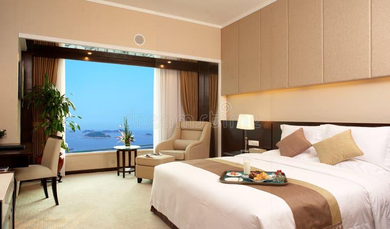Sitio de la cama del hotel foto de archivo