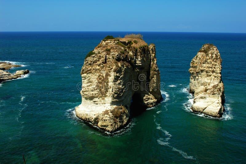 Sitio de las rocas de la paloma en Beirut Líbano fotografía de archivo