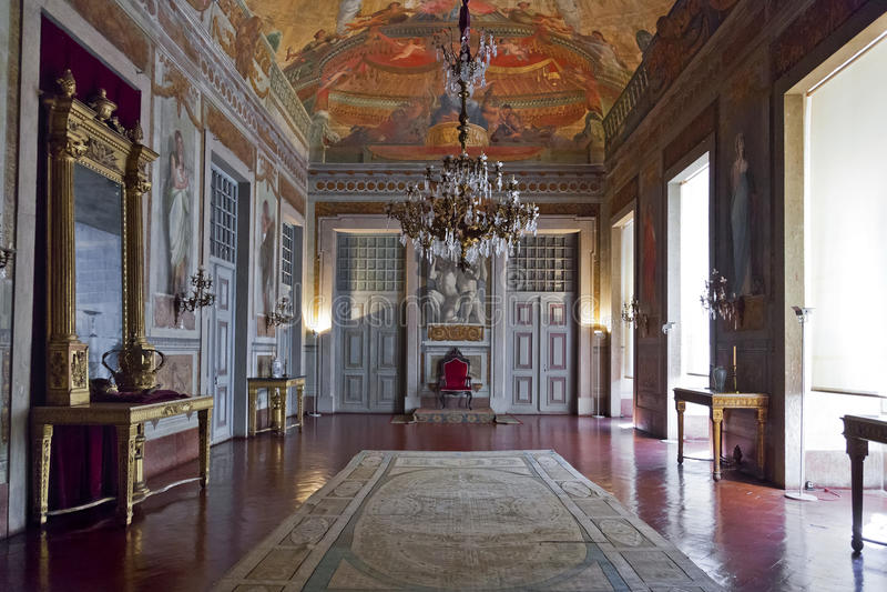 Sitio del trono o sitio de la audiencia. Palacio de Mafra fotos de archivo