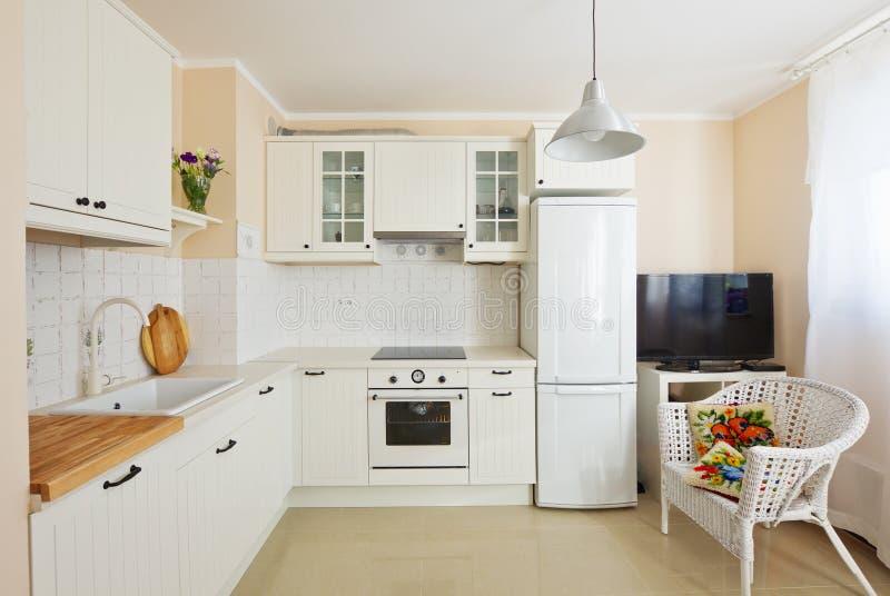 Sitio moderno de la cocina foto de archivo