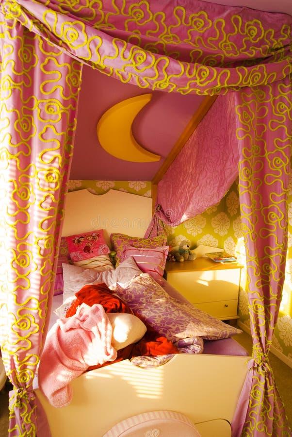 Sitio o dormitorio de niños sucio fotos de archivo libres de regalías