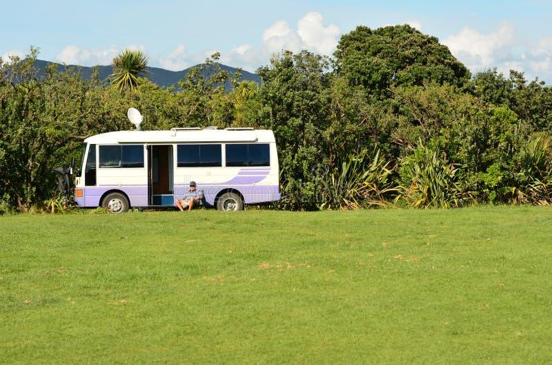 Sitio para acampar de la protección de la bahía de Maitai imagen de archivo libre de regalías