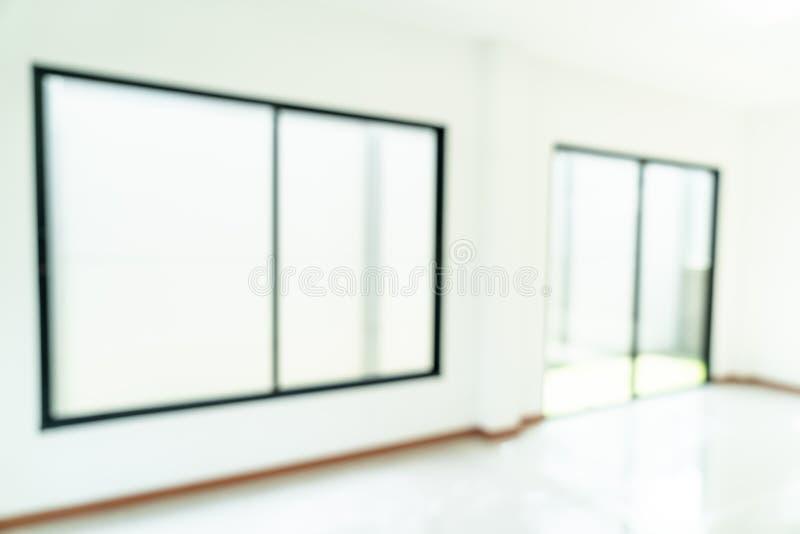 sitio vacío de la falta de definición del extracto con la ventana y puerta en hogar fotografía de archivo