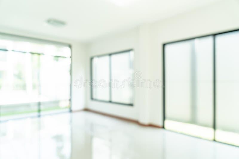 sitio vacío de la falta de definición del extracto con la ventana y puerta en hogar imágenes de archivo libres de regalías