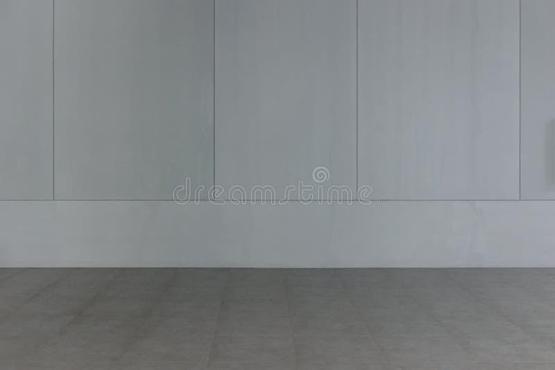 Sitio vacío en una casa moderna, plantilla interior para la exhibición del producto, espacio libre para el fondo imagen de archivo libre de regalías