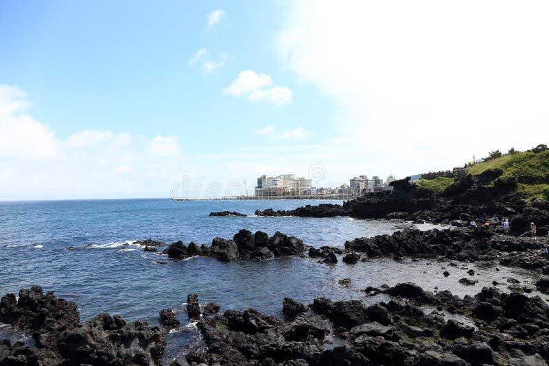 Sitio web Seeing, Walk by the Sea, cerca de Yongyeon Pond en Jeju, Corea foto de archivo libre de regalías