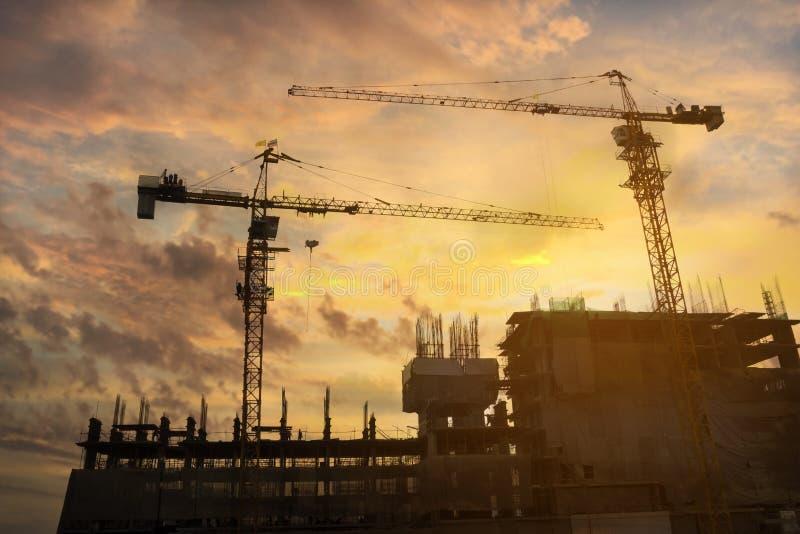 Sito della costruzione di edifici in siluetta fotografia stock libera da diritti