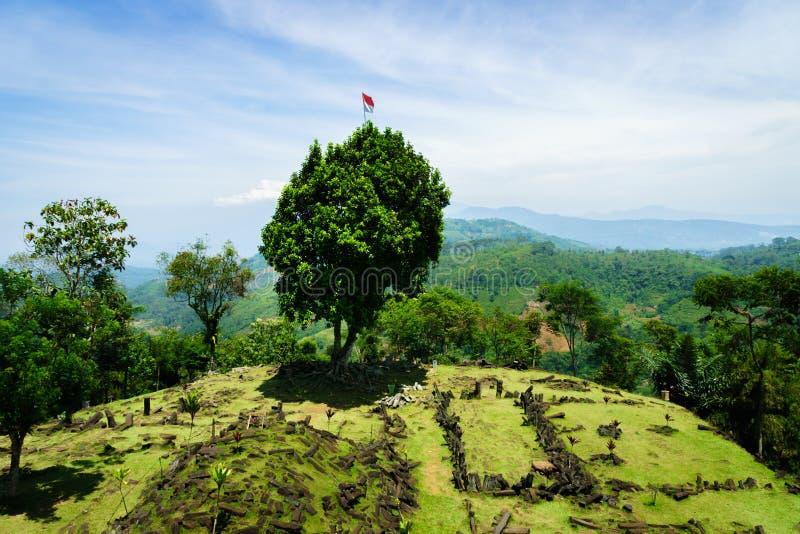 Sito megalitico di Gunung Padang in Cianjur, Java ad ovest, Indonesia fotografia stock libera da diritti