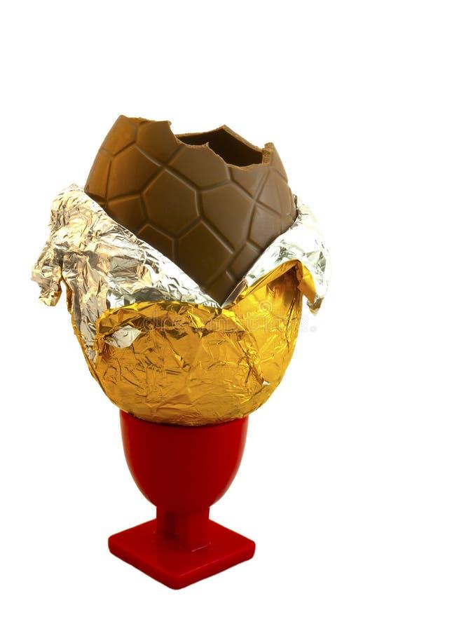 sitting för äggkopp för chokladeaster ägg royaltyfria bilder
