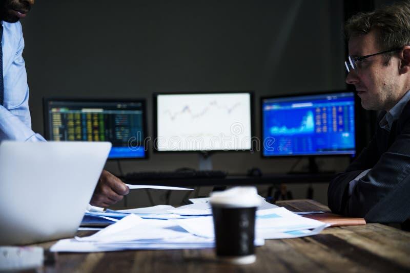 Situación de crisis financiera de la reunión de negocios imagen de archivo libre de regalías