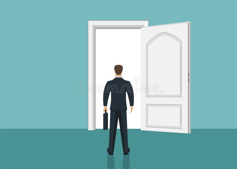 Situación del hombre de negocios delante de la puerta Elegir la manera Mudanza adelante imagenes de archivo