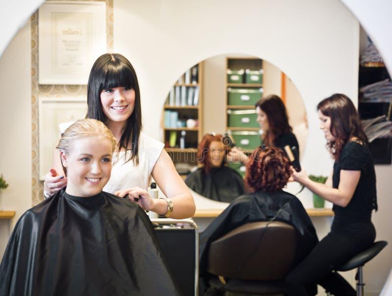 Situazione del salone di capelli fotografie stock libere da diritti