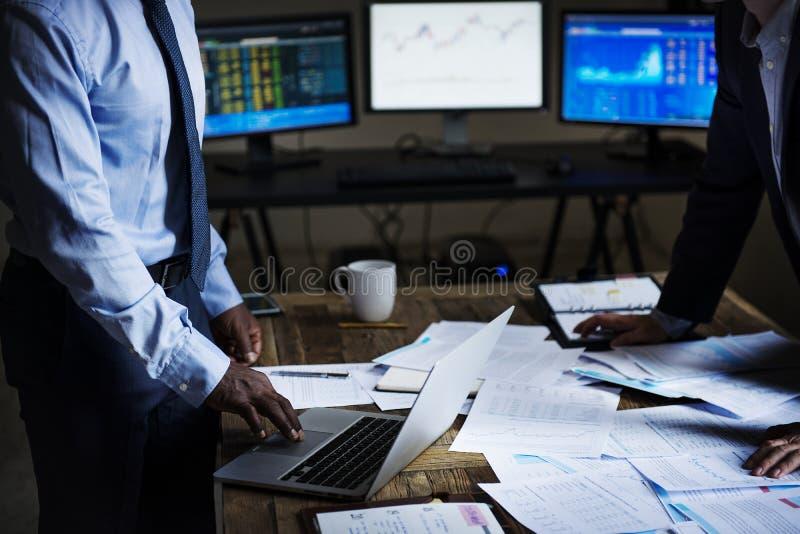 Situazione di crisi finanziaria di riunione d'affari fotografia stock libera da diritti