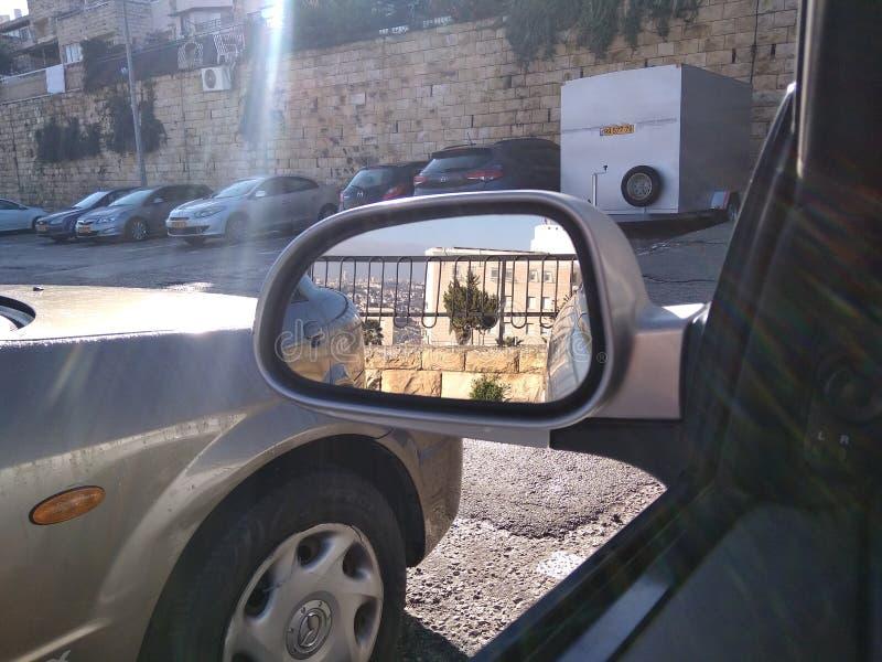 Sity dans le miroir photo libre de droits