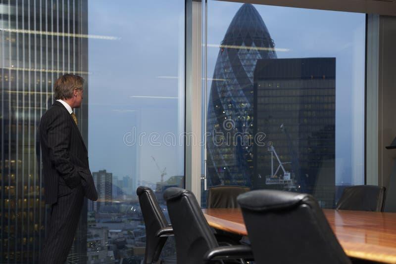 Sitzungssaal und Mann lizenzfreies stockfoto