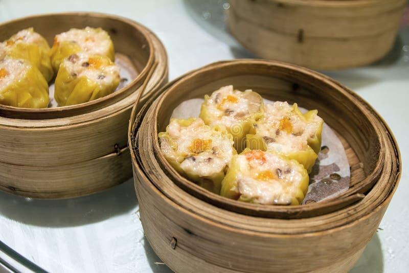 Siu Mai Steamed Pork och räkaklimpar royaltyfri bild