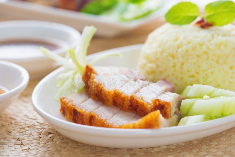 Siu Yuk o estilo chino asado curruscante del cerdo del vientre imagen de archivo