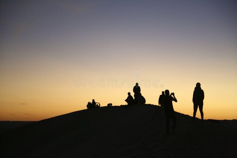 Siwa, Egito que acampa, deserto árabe duna equitação abril de 2018 fotos de stock royalty free
