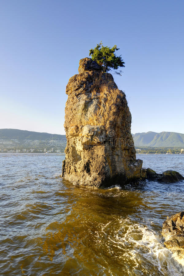 Siwash岩石日落,史丹利公园,温哥华,加拿大 免版税库存图片