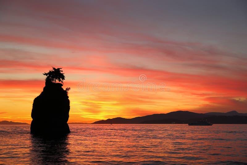 Siwash skały zmierzch, angielszczyzny Trzymać na dystans, Vancouver zdjęcia stock