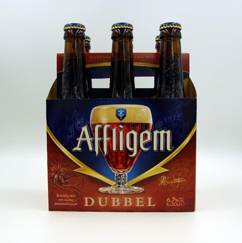 Sixpack delle birre di Affligem Dubbel immagini stock