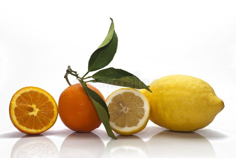 Sizilianische Orangen und Zitronen lizenzfreie stockfotos