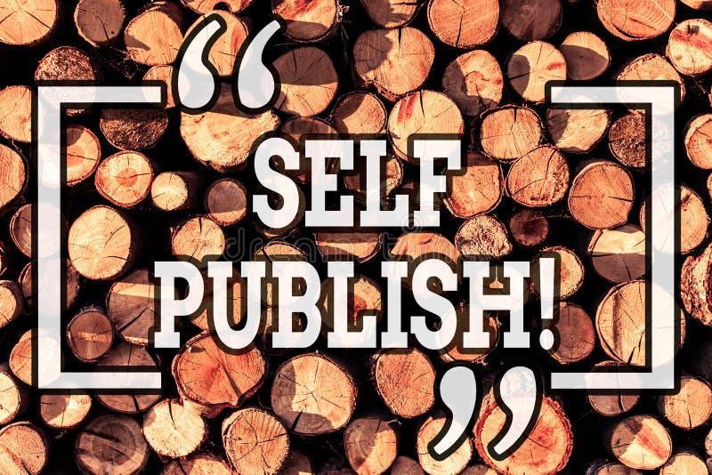 Själven för handskrifttexthandstil publicerar Begreppsbetydelseförfattaren att publicera stycket av en arbetar självständigt på e royaltyfri bild