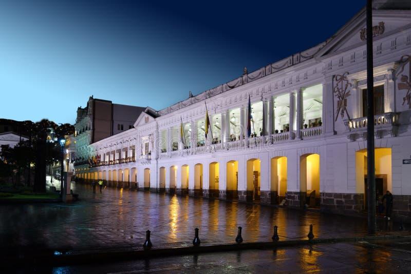 Självständighetfyrkant i den historiska Quito Ecuador royaltyfri fotografi