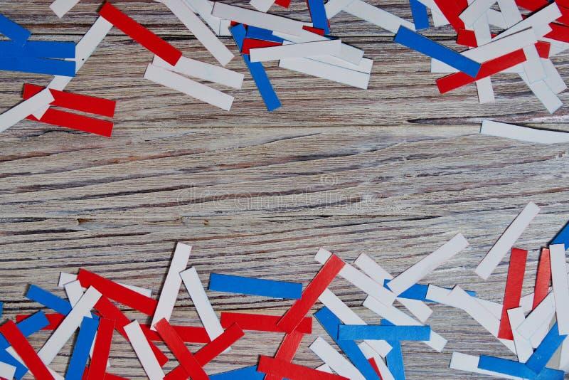 självständighetsdagen av olika länder, berömmar och feriebegrepp-slutet-upp av röd och blå pappers- stjärnagarnering och arkivfoto