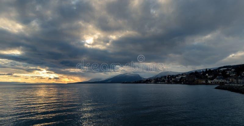 Sjö av Neuchâtel royaltyfria bilder
