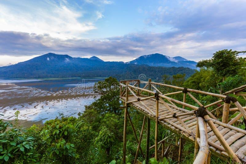 Sjö Buyan - Bali ö Indonesien arkivfoto